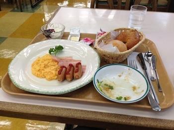 一日目朝食_2.jpg