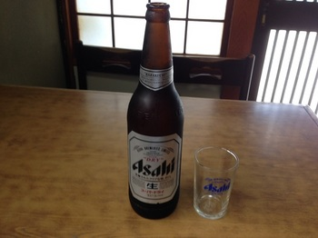 02_まずはビール.jpg